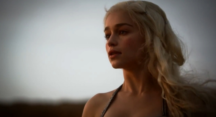 Daenerys Targaryen Khaleesi Episode 1 et 2 Game of Thrones