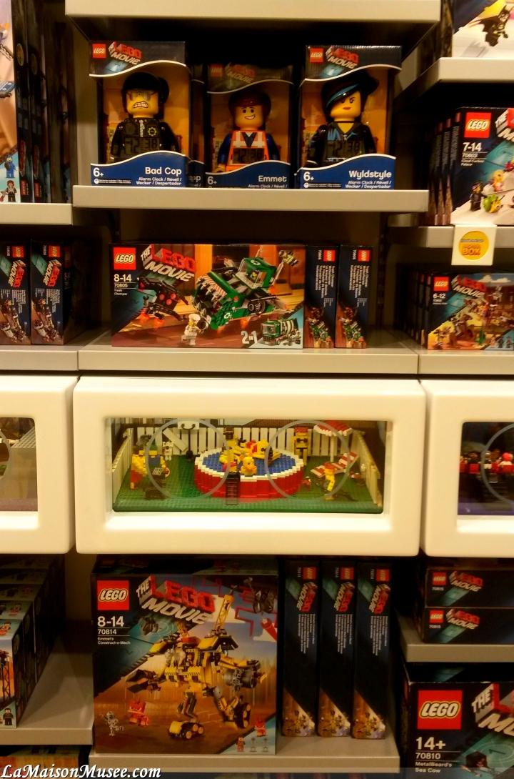 Réveils, et autres accessoires feront le plaisir des passionnés LEGO qui souhaitent autre chose que de grands ensemble à construire.