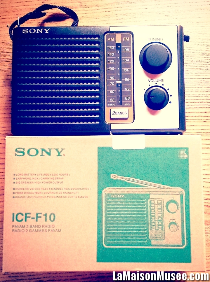 Note Radio ICF F10 Photos