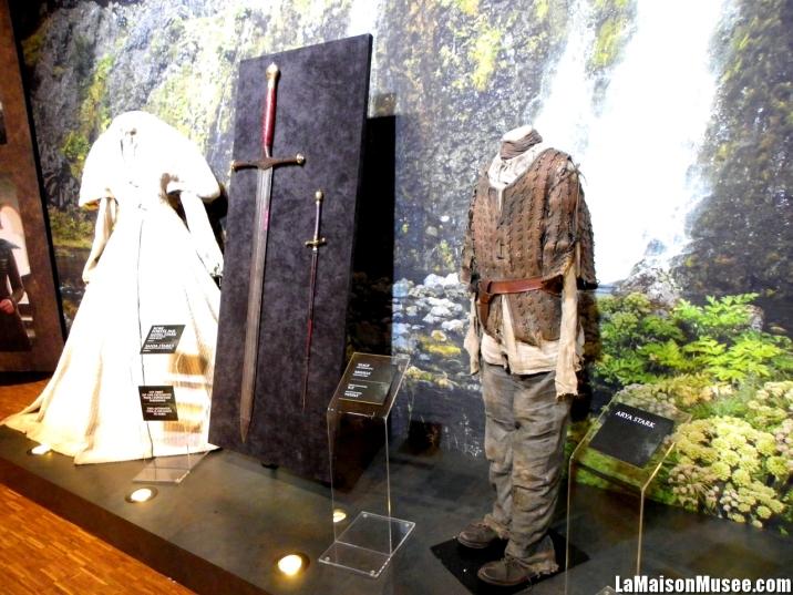 La tenue d'Arya Stark et son Aiguille étaient présentes!